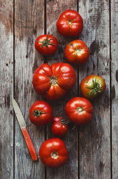 Food | Nourriture | 食べ物 | еда | Comida | Cibo | Art | Photography | Still Life | Colors | Textures | Tomatoes | Kanela y Limón - Cristina Lorenzo