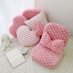 68 Super Ideas For Baby Diy Pillow Projects Bow Pillows, Cute Pillows, Sewing Pillows, Cute Furniture, Pillow Crafts, Diy Bebe, Baby Sewing Projects, Patchwork Pillow, Bedding Basics