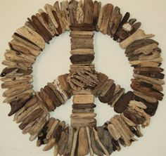 Driftwood Peace Sign by Madera Del Mar Driftwood Projects, Driftwood Art, Driftwood Ideas, Driftwood Mobile, Driftwood Wreath, Driftwood Sculpture, Crafts To Make, Arts And Crafts, Diy Crafts