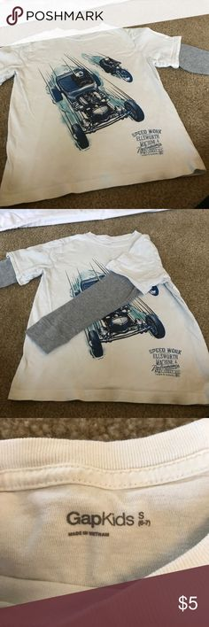 Boys GAP top - size 6-7 In good condition, gently worn. Comes from a pet free / smoke free home. GAP Shirts & Tops Tees - Long Sleeve