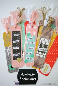 The BEST Back to School DIY Projects for Teens and Tweens {Locker Decorations, Customized School Supplies, Accessories and MORE!} DIY Back to School Projects for Teens and Tweens Handmade- CUTE and FUN Do it Yourself Paper Craft Bookmarks-Back-to-school-DIY via tatertots and jello<br> We've gathered the BEST Back to School DIY projects and ideas for Teens and Tweens! From set yourself apart locker decorations to show off your personal style – to personalizing and cu… Diy Crafts For Teen Girls, Crafts For Teens To Make, Crafts To Sell, Diy For Kids, Sell Diy, Back To School Diy For Teens, Diys For School, Diy Crafts For School, School Ideas