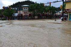 estes park flooding 2013 | Flooded Estes Park roads begin crumbling, forcing evacuations ...