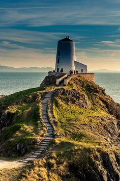 Love Wales, Ynys Llanddwyn   byTony Shertila