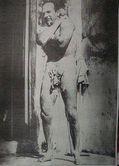 Pedro Infante bañandose