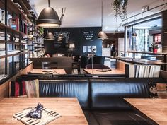 Zürich: 29 top Cafés zum Arbeiten & Lernen | Café Tipps Cafe Restaurant, Print Pictures, Conference Room, Table, Furniture, Switzerland, Restaurants, Home Decor, Learning