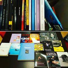 Altro giro altro scrittore che tiene Il Grisbì nella sua libreria. Di fianco ad Aikane di Harry Fog! Viva Bobby Lago. #bobbylago #ilgrisbì @eleonorabertani @ti_racconto_un_libro @rmainetti @libreriapiccoli @la_bottega_dei_libri