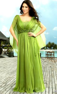 Vestido de fiesta recibido en color morado. www.luna-lluna.com