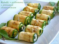 Fit snack - grilled zucchini rolls with roasted sunflower seeds - Fit Zucchini Rolls, Grilled Zucchini, Grilled Vegetables, Veggies, Appetizer Salads, Appetizers, Raw Food Recipes, Healthy Recipes, Finger Foods