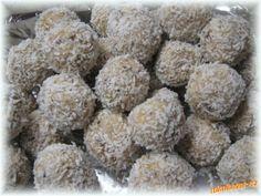 KULIČKY Z OPLATEK MILA | Mimibazar.cz Christmas Sweets, Christmas Cookies, Czech Recipes, Ethnic Recipes, Sweet Recipes, Dog Food Recipes, Monkey Business, Nutella, Deserts