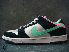 new styles bd080 a7558 Nike Dunk Low Pro SB - magnet  light poison green