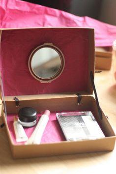 rangement maquillage à faire soi-même avec ancienne boîte en carton