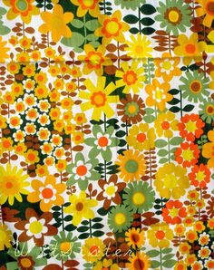 Warm Sunny DAISY 60s Vintage House N Home Fabric one of - Remnant
