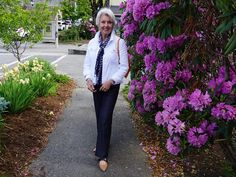Hello Gorgeous, Beautiful Day, Susan After 60, Linville Falls, Over 60 Fashion, Enjoy The Sunshine, Casual Attire, Style Challenge, What To Wear