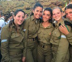 Idf Women, Military Women, Military Jacket, Israeli Female Soldiers, Israeli Girls, Outdoor Girls, Brave Women, Girls Uniforms, Young And Beautiful