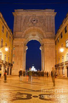 Rua Augusta Arch and street at night in Lisbon, Portugal. #lisbon #lisboa #night #city #ruaaugusta #europe #arch #triumphalarch #ruaaugustaarch  #landmark #monument #historic #historicalplace #oldbuilding #portal #citybreak #portugal #portuguese #artprint #fineartprints #street #architecture #architecturelovers