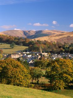autumn in Moffat, Scotland with Swatte Fell in the background│South West Images Scotland