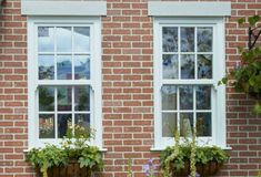 Traditional, elegant and practical - see how Everest Sliding Sash Windows perfectly suit different types of older homes and custom built for a perfect fit. Upvc Sash Windows, Wooden Sash Windows, Casement Windows, Cottage Windows, House Windows, Windows And Doors, Double Glazed Sash Windows, Modern Properties, Window Glazing