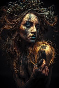 Beste Make-up Ideen Fantasie Inspiration Feen 18 Ideen - A Lápiz De Tareas Creativa ? Creative Photography, Portrait Photography, Dark Art Photography, Photography Magazine, Digital Photography, Macabre Photography, Modelling Photography, Woman Photography, Popular Photography