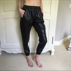 MARIOS Joggy Pant Lightweight joggers. NWT and in perfect condition. Sold out everywhere! Topshop Pants Track Pants & Joggers