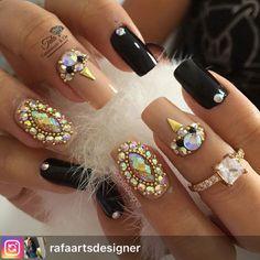 """385 Likes, 3 Comments - Tata Customizacao & Cia (@tata_customizacao_e_cia) on Instagram: """"#Repost from @rafaartsdesigner. www.tatacustomizaçãoecia.com.br Pedrarias para orçamento e comprá⬆…"""""""