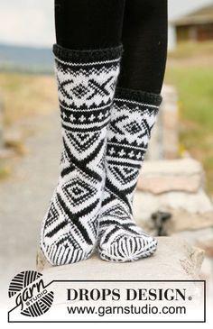 Men - Free knitting patterns and crochet patterns by DROPS Design Drops Design, Crochet Socks, Knitting Socks, Knit Crochet, Knitting Patterns Free, Free Knitting, Free Pattern, Crochet Patterns, Norwegian Knitting