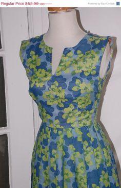 50%SALE 50s Dress Summer Full Skirt Sleeveless by fourstoryvintage