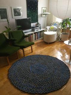 My 40th braided rug is ready. Diameter 150 cm.