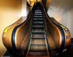 New York - Macy's 1902 wooden escalators   www.vacuumelevators.com #PneumaricVaccum #Elevators