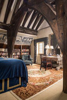 Luxury self-catering manor house in Bridgnorth, Shropshire Castle Bedroom, Home Bedroom, Castle Rooms, Casa Steampunk, Interior Architecture, Interior Design, Cool Rooms, Home Deco, Tudor