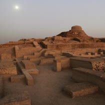 Unesco world heritage site - Moenjodaro, Pakistan Ancient Ruins, Ancient History, Heritage Center, Heritage Site, 3rd Millennium, Indus Valley Civilization, Acropolis, Ancient Architecture, List
