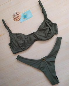 Biquíni Meia taça - Verde Militar A Bikini A Day, Pretty Swimsuits, Bikini Inspiration, Girls Bathing Suits, Bikini Outfits, Summer Suits, Bikinis, Swimwear, Bralettes