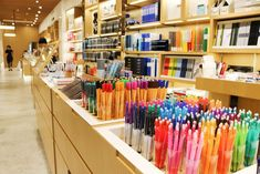 The famous Japanese stationery shop Itoya reopened in June 2015 in Tokyo's Ginza district as G. This article introduces the features of this well-established souvenir shop and the fun activities that anyone can enjoy while visiting it. - part 2 Design Display, Store Design, Design Design, Free Design, Paper Store, Art Store, Stationary Shop, Design Simples, Design Exterior
