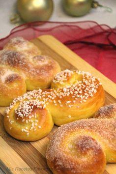 Aquí les traigo unos preciosos y deliciosos bollitos para degustar en esta época navideña!!   Estos pancitos se consumen tradicionalm...