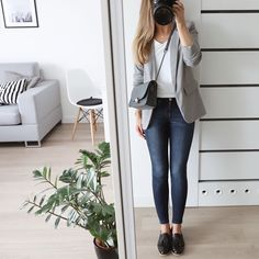 Casual Friday's are the best! Lovely outfit from 💕 Casual Friday Office, Office Outfits Women Casual, Casual Friday Outfit, Summer Outfits Women, Work Outfits, Outfit Work, Classy Business Outfits, Everyday Outfits, Work Fashion