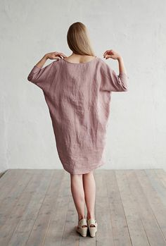 Soft and washed linen dress with 3/4 sleeves and 2 pockets. This pure linen dress will protect you from the sun while still helping you stay cool, thanks to linen's superb breathable properties. The dress is available in over 15 colours, including blue, grey, red, pink, yellow, white and more.