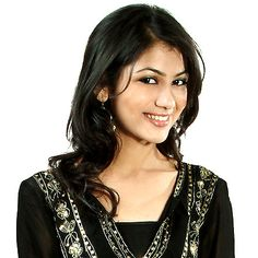 Sriti Jha is a popular face of Indian TV world. The complete biography of Sriti Jha is available her...