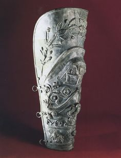 Ocrea. Five pairs of long greaves have been excavated from Pompeii, some of which are remarkably elaborate. This has led to conjecture that such equipment may have been worn only as parade armor in the procession (pompa) that preceded the games and not in the contests, themselves. The notion is supported by the fact that none of the pieces show the damage that would be expected in such an exchange.