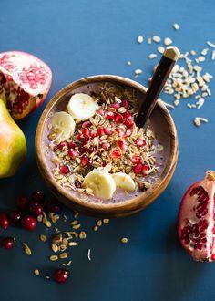 Pear Cranberry Pomegranate Acai Bowl from @lindseyjohnson