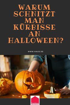 Wir erklären warum man an Halloween Kürbisse schnitzt und woher die Tradition kommt.   #halloween #kürbis