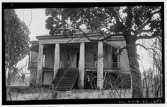 Built in in plantation-style Greek revival like many Louisiana plantation houses. Giant magnolias and period furnishings compliment the architecture, listed by the Historic American Buildings Committee. Located one mile West of Old Southern Plantations, Southern Plantation Homes, Louisiana Plantations, Plantation Houses, Southern Mansions, Southern Homes, Old Abandoned Houses, Abandoned Buildings, Abandoned Places