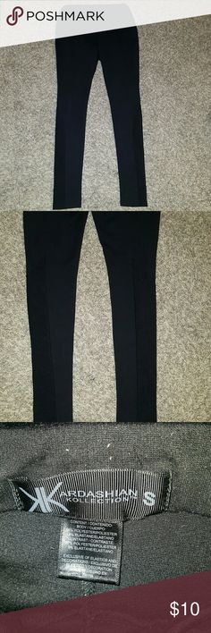 Kardashion Kollection high waisted leggings Excellent condition. Has a bit of lint that can be removed. Kardashian Kollection Pants Leggings