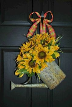 60 Favorite Spring Wreaths for Front Door Design Ideas And Decor - Sunflower wreaths - Spring Front Door Wreaths, Holiday Wreaths, Wreaths For Spring, Winter Wreaths, Front Door Design, Front Door Decor, Front Doors, Wreath Crafts, Diy Wreath