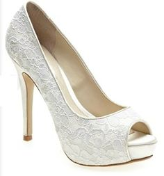 I normally dont like lace but o think these are really sexy shoes!