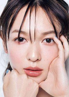 森絵梨佳 : 顔アップ特集 [綺麗な女優・アイドル・モデル、芸能人の顔アップ画像研究所(顔面アップ同好会~顔好きによる顔好きのための好きサイト)] #KoreanBeautyTips Elf Makeup Dupes, Makeup Tutorial Eyeliner, Makeup Eyeshadow, Makeup Tips, Beauty Makeup, Basic Makeup, Beauty Dupes, Drugstore Makeup, Makeup Products