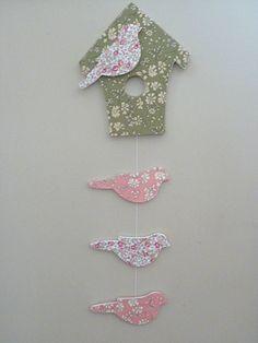 Guirlande nichoir et oiseaux en tissu liberty