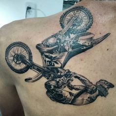 Tattoo realista motocross