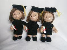 graduation girl amigurumi crochet Fodita