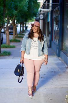 35 Casual Summer Outfits for Curvy Teen Girls Plus Size Fashion For Women, Plus Size Womens Clothing, Clothes For Women, Size Clothing, Flax Clothing, Gothic Clothing, Fashionista Trends, Plus Size Summer Outfit, Plus Size Outfits