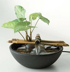 ideas diy garden fountain planters for 2019 Bamboo Fountain, Diy Garden Fountains, Tabletop Water Fountain, Diy Fountain, Small Fountains, Indoor Water Fountains, Indoor Fountain, Rock Fountain, Outdoor Fountains