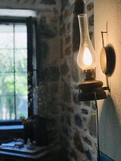 Booking.com: Damouchari Hotel , Damouchari, Grèce - 28 Commentaires clients . Réservez votre hôtel dès maintenant! Restaurant, Light Bulb, Lighting, Home Decor, Decoration Home, Room Decor, Diner Restaurant, Light Globes, Lights